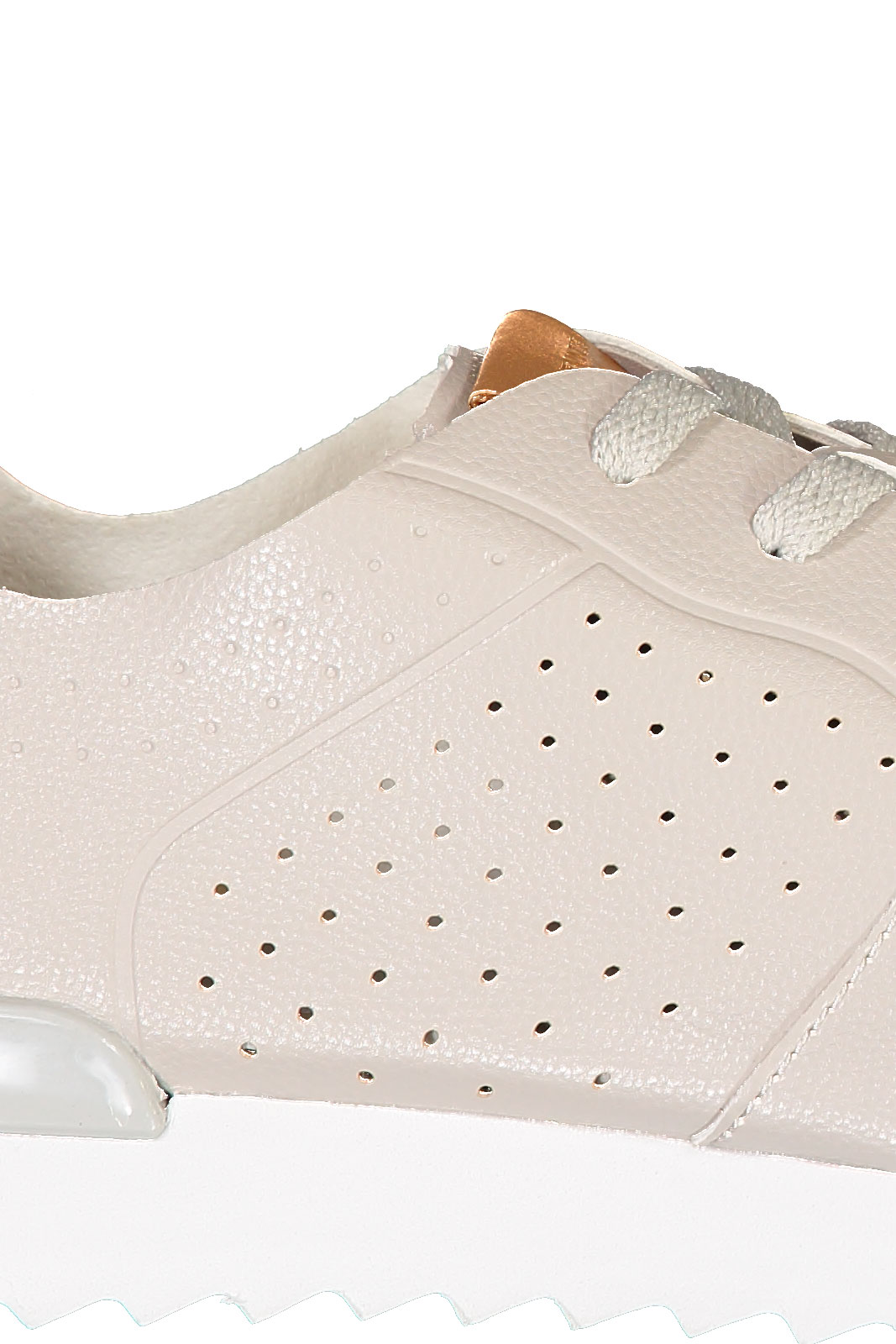 Lokon W Shoes
