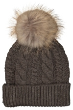 HOLLIES | Pom Pom Cable Hat | RetailPro | MÄRKESKLÄDER OUTLET